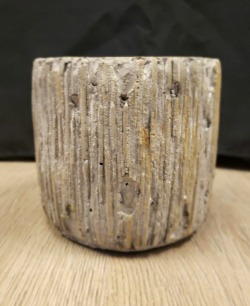 Ceramic Ridged Bark Planter