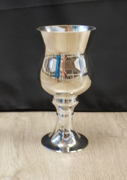 Metallic Footed Chalice Holder